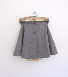 Childrens wool cape grey/yellow :: OneMe