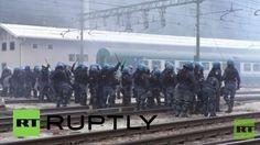 EN VIVO: Manifestantes pro-refugiados se enfrentan con la Policía en la frontera italo-austriaca
