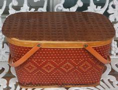 Vintage Picnic Basket, Vintage Baskets, Picnic Baskets, Vintage Gifts, Hats For Men, Basket Weaving, Vintage Designs, Wicker