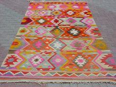 "MODERN Bohemian Turkish Kilim , Area Rug Carpet, Handwoven Kilim Rug,Antique Kilim Rug,Decorative Rug 70"" X 121,6"""