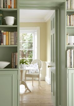 Light an airy sunroom come study colour - Pea Green Library by Little Greene as stocked by us Little Greene Paint Company, Green Paint Colors, Room Colors, Wall Colours, Little Greene Farbe, Peinture Little Greene, Green Library, Elegant Dining Room, Interior Decorating