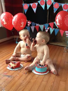 Twins First Birthday. Cakes Smash. Dr Seuss's Thing 1 and Thing 2.