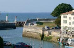 Port de St Martin de Ré et maison d'hôtes Le Corps de garde