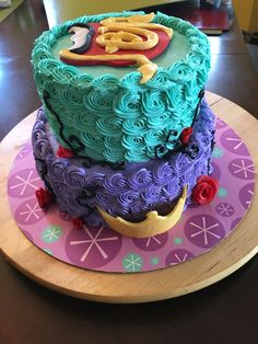 Descendant cake.    Made for a friends daughter.                                                                                                                                                      More