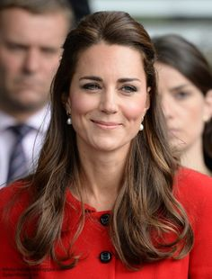 For almost a decade, Kate Middleton has styled iconic hairstyles. From updos to simple curls, these are the Duchess' 30 best hair looks. Princesa Kate Middleton, Cabelo Kate Middleton, Looks Kate Middleton, Prince William And Catherine, William Kate, William Windsor, Duchesse Kate, Herzogin Von Cambridge, Princess Katherine