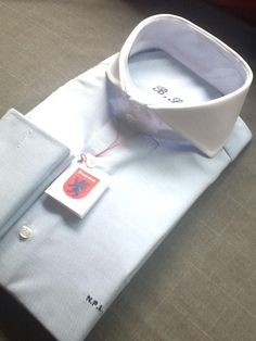 cutaway collar, nothing can beat a crisp white shirt, by British Style Madrid