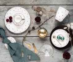 Wir finden unser handgefertigtes Geschirr im Design Herzerl Grau passt einfach imm Ceramic Pottery, Hart, Plates, Teller, Tableware, Sweet, Elegant, Grey, Dishes