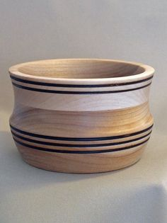 This is a beautiful, handcrafted wood bowl created by Artist Gary Wahlbeck, made from Birch. This bowl shows a really beautiful grain pattern.