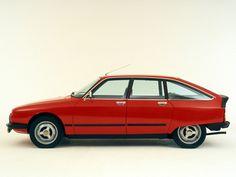 Mi viejo, fanático de los Citroen, con su clásico GSA, que podía andar con tres…