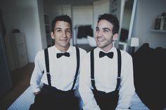 Boda gay / Gay wedding Estaremos encantados el dia que nos llame alguna pareja de novios tan especial como esta para hacerles su invitación de boda, preciosa fotografia de Paula G. Furió #bodagay #invitacionbodagay