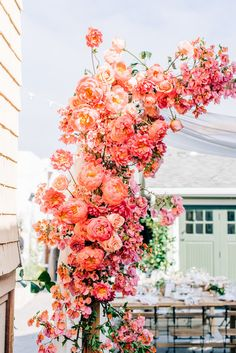 Boho Pins: Top 10 Pins of the Week – Living Coral Pantone Colour of the Year Related posts:Backyard wedding reception menu food ideas ideasSubmersible Kit Pink or White Cherry Blossom Floral Wedding Backyard Wedding Decorations, Wedding Backyard, Coral Wedding Decorations, Stage Decorations, Summer Wedding Themes, Backyard Ideas, Spring Weddings, Food Decoration, Indoor Wedding