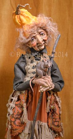 Rucus Studio Witch with Mouse © Rucus Studio 2014 Halloween Doll, Vintage Halloween, Fall Halloween, Halloween Crafts, Halloween Witches, Imprimibles Halloween, Scott Smith, Trolls, Marionette