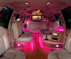 <3 I Wanna Ride In A PINK Limo!!