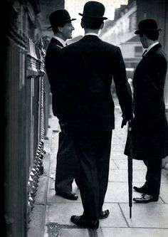 I love this shot. I think its from British Vogue in the 1950's. Anyone know any details ?