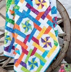 Jelly Roll Dreams: 12 New Designs for Jelly Roll Quilts: Pam Lintott, Nicky… Strip Quilts, Easy Quilts, Quilt Blocks, Amish Quilts, Quilting Tutorials, Quilting Projects, Quilting Designs, Quilting Ideas, Quilting Room