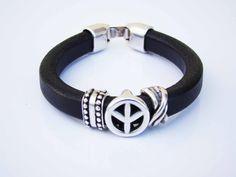 Sales & orders: 4me.bijuteria@gmail.com    Black leather bracelet with peace symbol | Refª PPZ004 - 12€