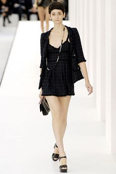 Chanel Spring 2007 Ready-to-Wear Fashion Show: Complete Collection - Style.com