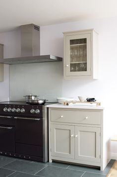 1000 images about kitchen on pinterest shaker kitchen for Cc kitchen cabinets