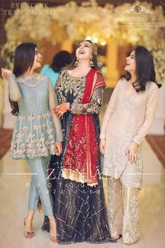 Latest Asian Bridal Mehndi Suits For Yr 19 Collection With Price Tag Walima Dress, Shadi Dresses, Pakistani Formal Dresses, Pakistani Dress Design, Indian Dresses, Pakistani Fashion Party Wear, Pakistani Wedding Outfits, Bridal Outfits, Function Dresses