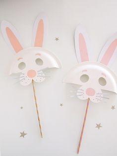 Osterhase /// DIY Pappteller Tiermasken - kroliki - DIY and Craft Crafts For Kids To Make, Easter Crafts For Kids, Craft Kids, Easter Ideas, Bunny Crafts, Paper Plate Crafts, Paper Plates, Paper Napkins, Paper Plate Animal Masks