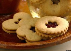Whole Wheat Linzer Cookies With Raspberry Filling