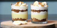 This dessert, inspired by the banoffee pie, is delicious - Dessert - Banoffee Pie, Desserts Panna Cotta, Köstliche Desserts, Dessert Simple, Spaghetti Eis Dessert, Pineapple Desserts, High Tea, Tapas, Snack Recipes