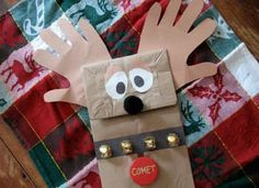 Paper Bag Reindeer - Make this easy Christmas craft with your children. #tutorial
