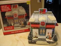 $35  SOLD---COCA COLA TOWN SQUARE - KATE'S DINER - 2004