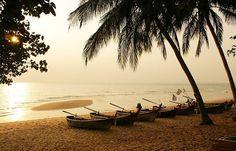 Evening beach of Jomtien, Thailand Bilder und Fotos lizenzfrei bei ClipDealer: Evening beach of Jomtien, Thailand Travel Sights, Places To Travel, Places To See, Pattaya Thailand, Vacation Destinations, Vacation Spots, Vacations, Thailand Travel, Bangkok