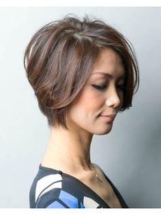 大人かっこいい前下がりショートボブ - 24時間いつでもWEB予約OK!ヘアスタイル10万点以上掲載!お気に入りの髪型、人気のヘアスタイルを探すならKirei Style[キレイスタイル]で。