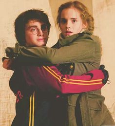 harry potter, hermione granger, and emma watson resmi Mundo Harry Potter, Harry James Potter, Harry Potter Tumblr, Harry Potter Cast, Harry Potter Characters, Harry Potter Universal, Harry Potter Hogwarts, Harmony Harry Potter, Slytherin