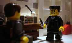 Famous Movie Scenes Created Out of Lego. Alex Eylar is a 21 year-old artist from Oakland, California who creates famous movie scenes using Lego bricks. Lego Film, Lego Tv, Lego Movie, Reservoir Dogs, Music Tv, Art Music, Famous Movie Scenes, Lego Minifigs, Lego Figures
