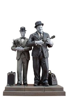 Laurel et Hardy statuette Honolulu Baby Infinite Statue - France Figurines Laurel And Hardy, Stan Laurel Oliver Hardy, X 23, Poster Pictures, Print Pictures, Photo Star, Sound Film, Harry Potter, Classic Comics