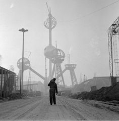 Building of the Atomium in Brussels for the World's Fair of 1958.   Photograph by Dolf Kruger.