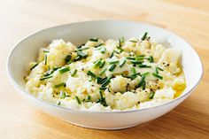 5-Minute Freezer Side Dish: Garlic & Sour Cream Mashed Cauliflower — 5-Minute Side Dishes