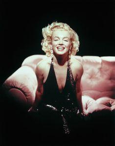 "summers-in-hollywood:""Marilyn Monroe, Photo taken by Richard Avedon"" Richard Avedon, Brigitte Bardot, Bruce Weber, Sophia Loren, Classic Hollywood, In Hollywood, Hollywood Actresses, Vintage Hollywood, Fotos Marilyn Monroe"