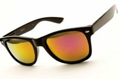 La moda de los 80's regresa con estos modernos lentes tornasol.  https://appl.transexpress.com.sv/shoppingmall/compras/ComprarProducto.aspx?id=5658