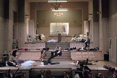 """Jacques Offenbach """" La vie parisienne"""", 1998, Volksbühne am Rosa Luxemburg-Platz, Berlin, Regie: Christoph Marthaler, Bühne und Kostüme: Anna Viebrock"""
