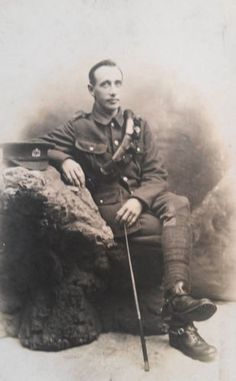 WW-I-British-RPPC-A-Private-of-the-Leicestershire-Yeomanry-in-Aldershot