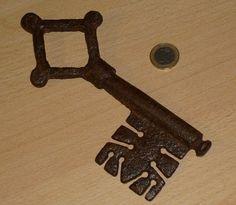 gothic key
