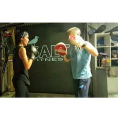 JADE hones her BOXING skills after a tough leg session this evening!  #saltfitness #fitness #sweat #fit #workout #gym #boxing #ufc #mma #anglesea #fitspo #fitspiration #legs #quads #instalike #instafit #muscle #instagood #boxingdrills #sparring #crossfit by salt_fitness http://ift.tt/1KosRIg