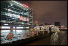 06.12.2013 Sturmflut in Hamburg XAVER. Der Anleger an den Deichtorhallen. Eigentlich geht man die Brücke runter auf den Ponton. Foto Prachtvoll - Bilder und Fotos aus Hamburg
