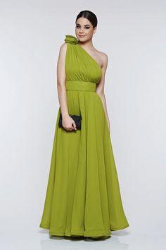 Rochie Ana Radu verde-deschis de ocazie din voal pe umar - Arata ca o diva, alege o rochie din voal, cu design excelent si umar gol. Este captusita pe interior si prevazuta in talie cu un cordon. Nu uita sa o accesorizezi cu o pereche de cercei cu strasuri sau un plic StarShinerS. One Shoulder, Formal Dresses, Fashion, Green, Formal Gowns, Moda, Fashion Styles, Formal Dress, Gowns