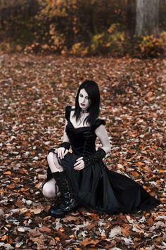 Beautiful gothic #fashion #cosplay
