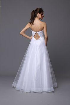 Stunning #diamond cut out on back. #elegantskirt