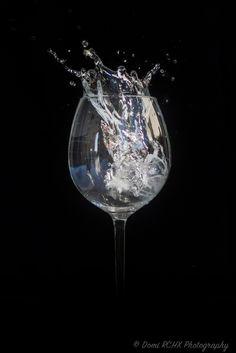 https://flic.kr/p/xZHqEw | Ice cube in the Glass of Water by Domi RCHX | Glaçon dans un Verre d'eau par Domi RCHX