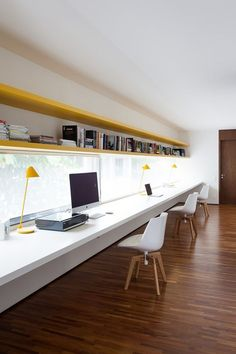 You won't mind getting work done with a home office like one of these. See these 20 inspiring photos for the best decorating and office design ideas for your home office, office furniture, home office ideas Small Office Design, Office Interior Design, Office Interiors, Office Designs, Office Workspace, Home Office Desks, Study Office, Office Furniture, Office Shelving