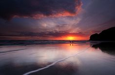 Great tips on taking seascape/waterscape photos with wonderful foreground and sunset/sunrise in background!  I want to shoot like this when I grow up!!! :o) (jmp)