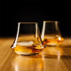 The whisky glass allows true exploration into the depths of your favourite drop.