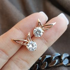 Are you looking for #Angelwings design in earrings? Check out the collection of #Lindastars as we offer the absolutely finest ones both in designs and quality.  https://www.lindastars.com/collections/lindas-angels-earrings/products/enchanted-angel-wings-earrings